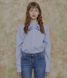 lightblue_rose_blouse_packshot_2