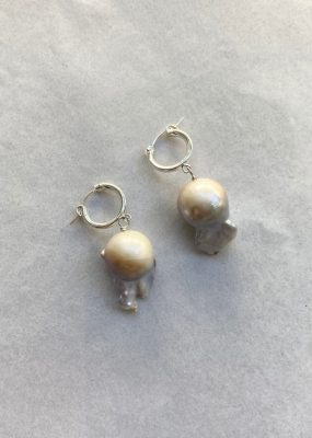 Grey Baroque Pearl earrings – ODD PEARLS